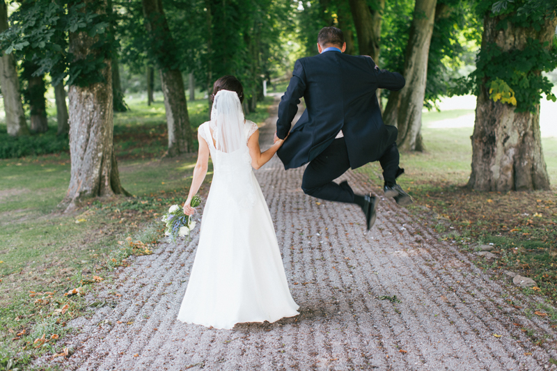 weddingJump